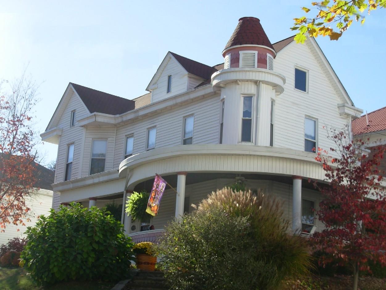 The Lewellen House
