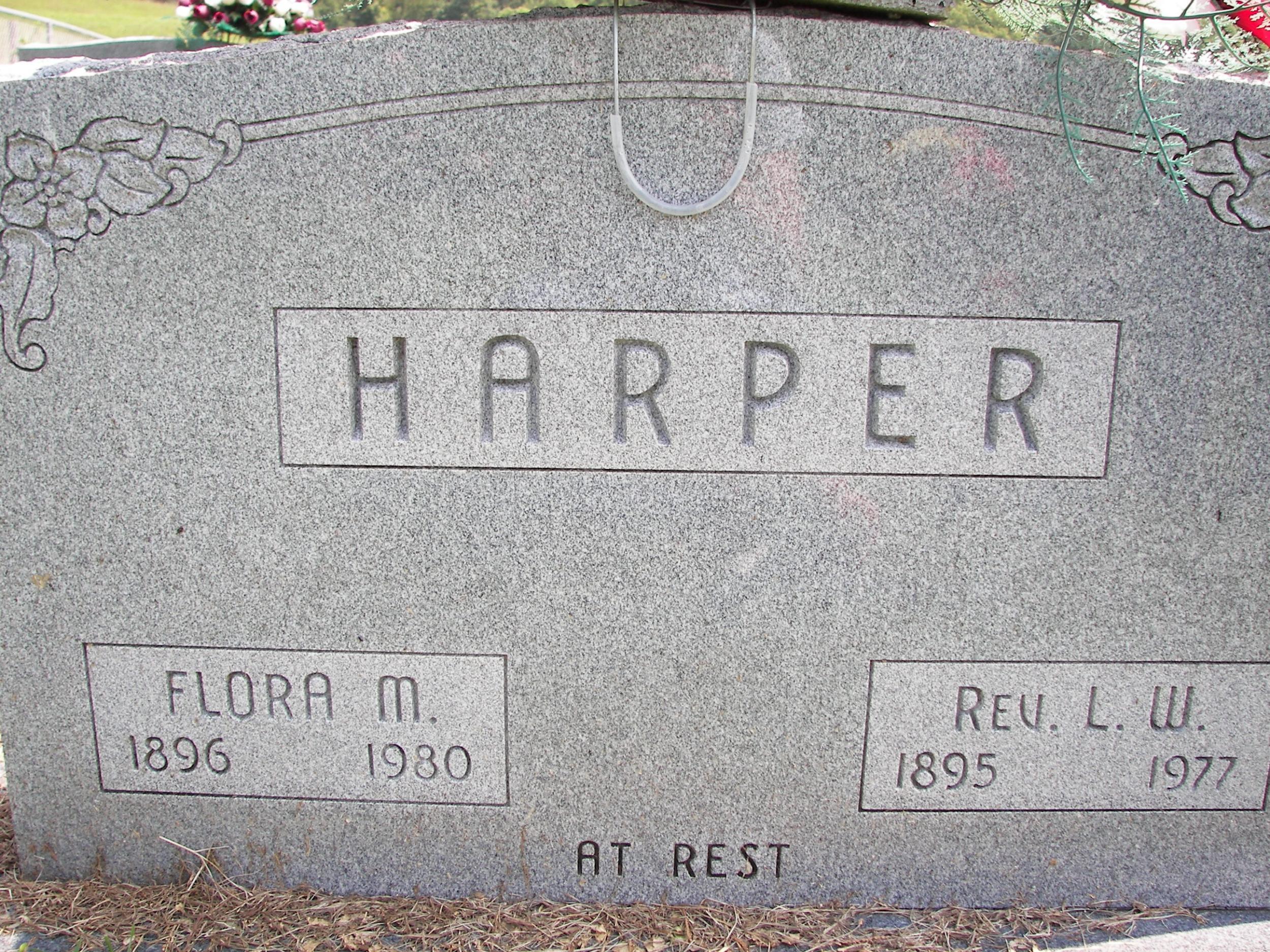 Rev Luster W and Flora Mae Harper grave marker