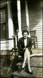 Wanda Sinnett Cox Sagert in 1945